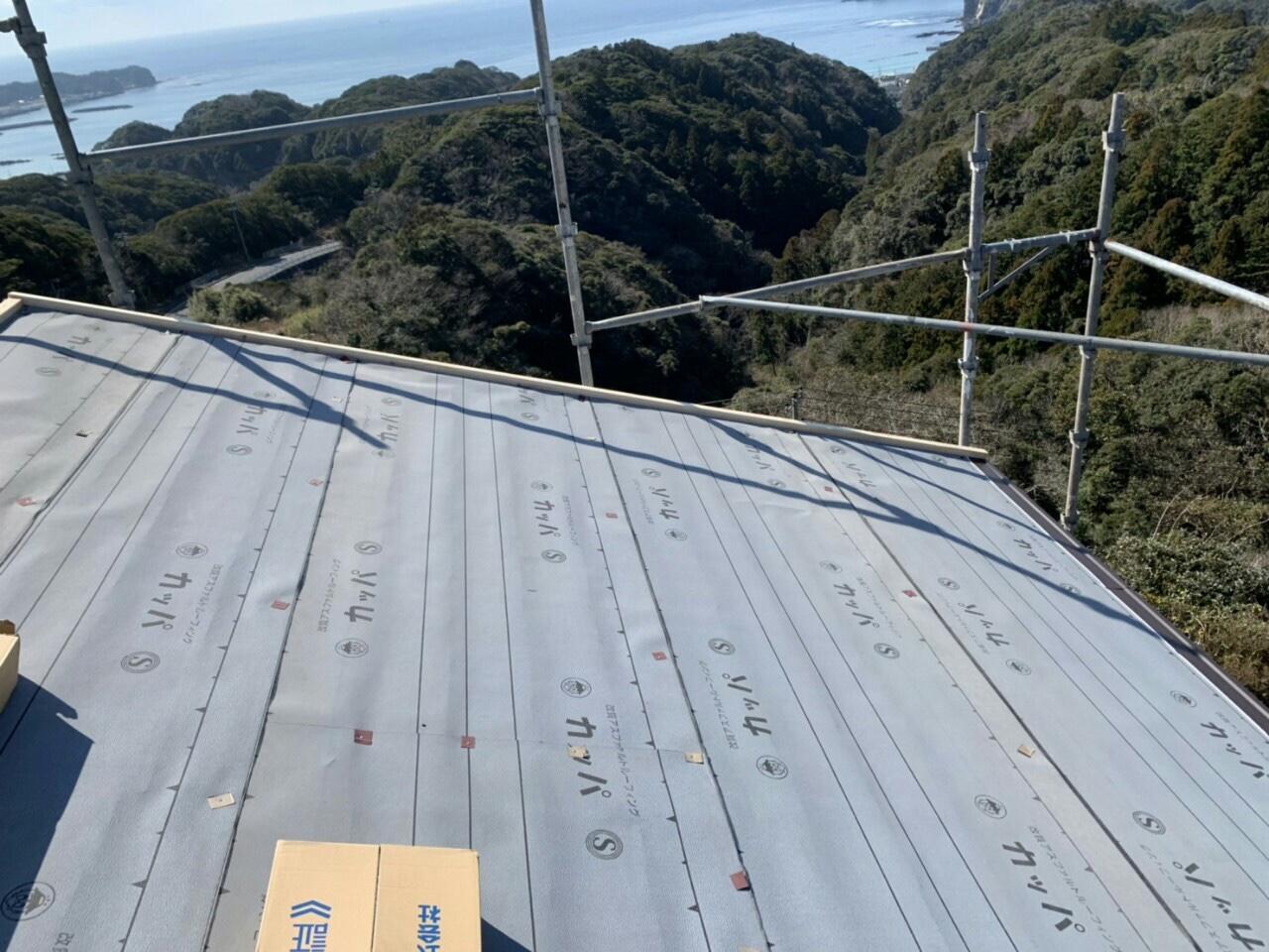 勝浦市O様邸屋根カバー工法・外壁塗装工事